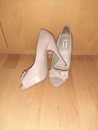 Zapatos tacón beige