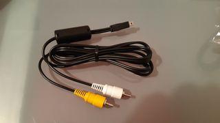 Varios tipos de cables, adaptadores, etc