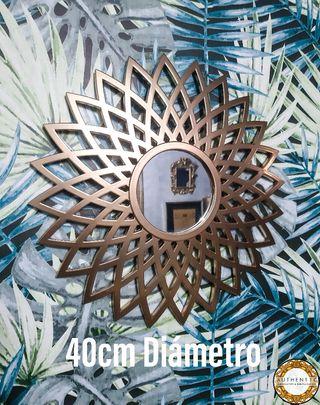 Espejo Sol Geométrico 40cm Diámetro Oro Cromo