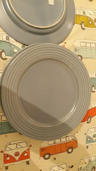 Platos grandes de ceramica azules