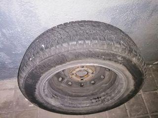 Neumático Michelin 175/70 R14 + Llanta