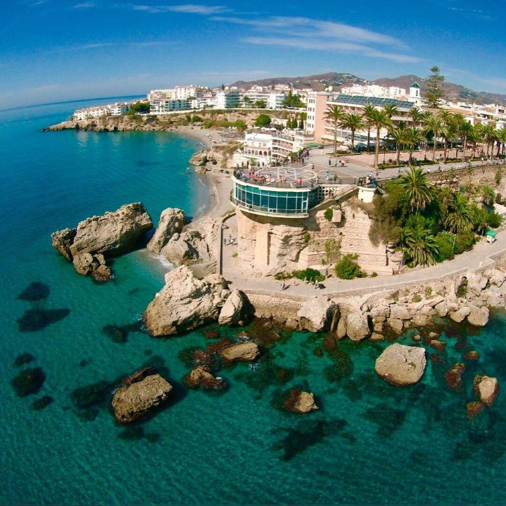 Apartamentos en Nerja para tus vacaciones (Nerja, Málaga)