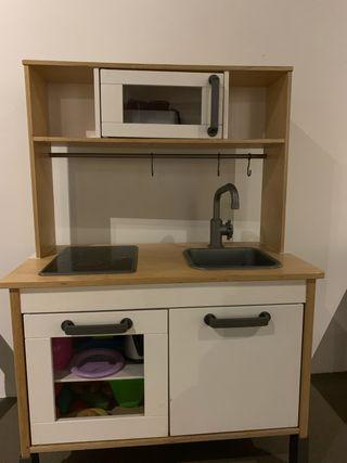 Cocinita de madera se IKEA