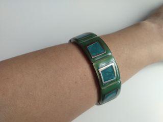 Pulsera de acero en tonos azul y verde