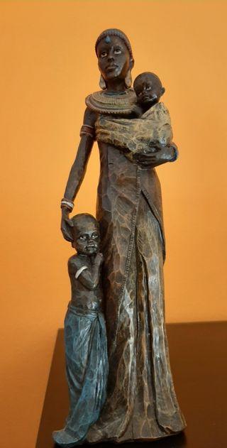 figura madre con sus hijos