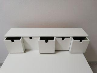 Pequeña cajonera de madera IKEA