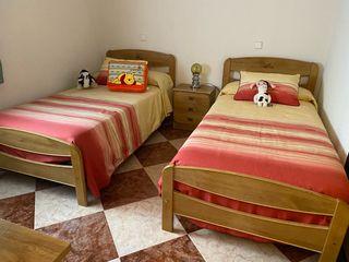 Habitación completa, 2 camas de 90 cm