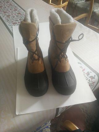 botas de montaña/nieve de piel. tipo canadiense