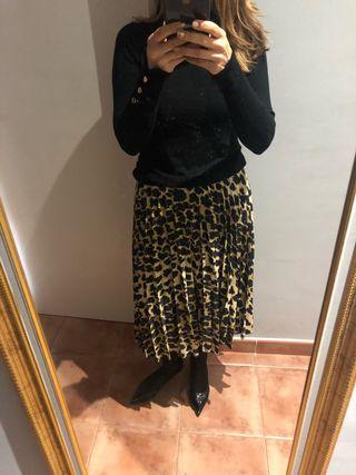 Falda plisada de leopardo