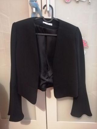 chaqueta negra mango