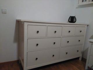 cómoda color blanca