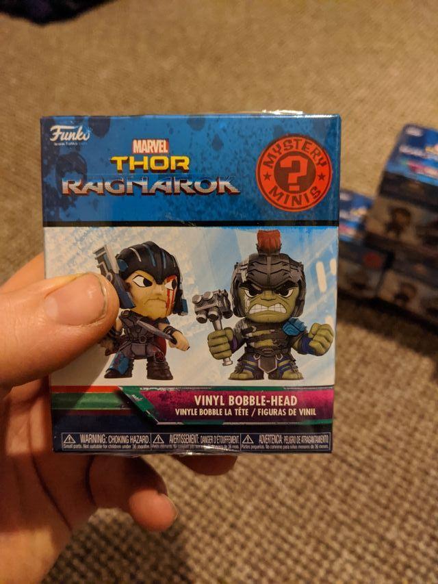 Thor Ragnarok mini figures