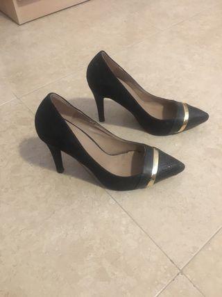 Zapatos de tacón y bailarinas