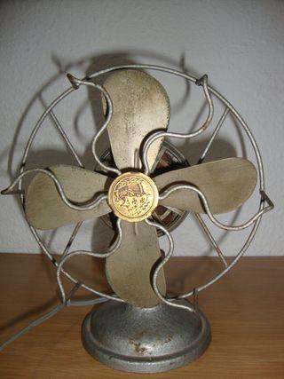 Ventilador antiguo marca AEG