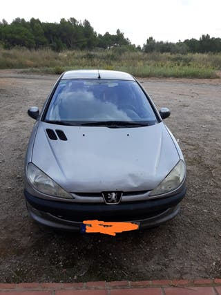 Peugeot 206, año 2001,