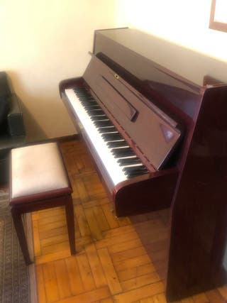 Piano de pared Young Chang