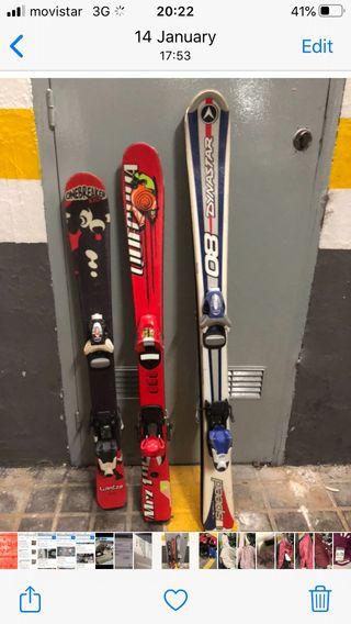 Esquíes con fijaciones