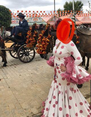 Traje flamenca gitana feria abril Leticia Lorenzo