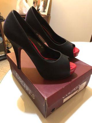 zapato de tacon negro