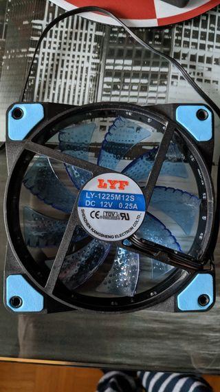 Ventilador PWM 12cm con leds azules