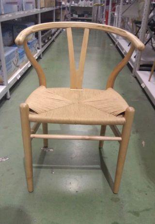 Silla modelo Wishbone madera natural