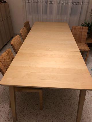 Mesa comedor.