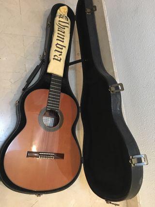 Guitarra clasica Alhambra 10 P