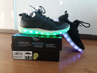 Skechers luces LED negras talla 33