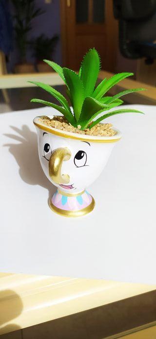 taza chip de la bella y la bestia con planta artif