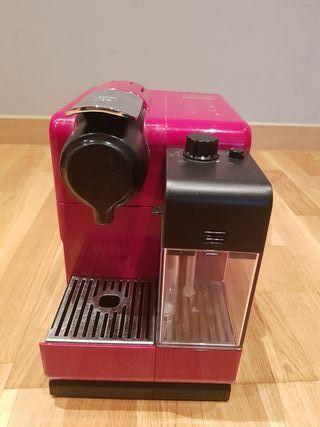 Cafetera Nespresso Delonghi Lattissina Touch