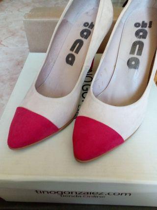 Zapatos de tacón bicolor