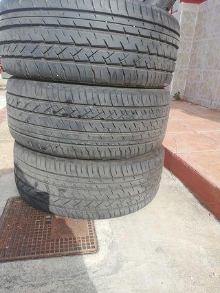 neumáticos 215 45 R17
