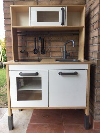 Cocinita de madera Ikea