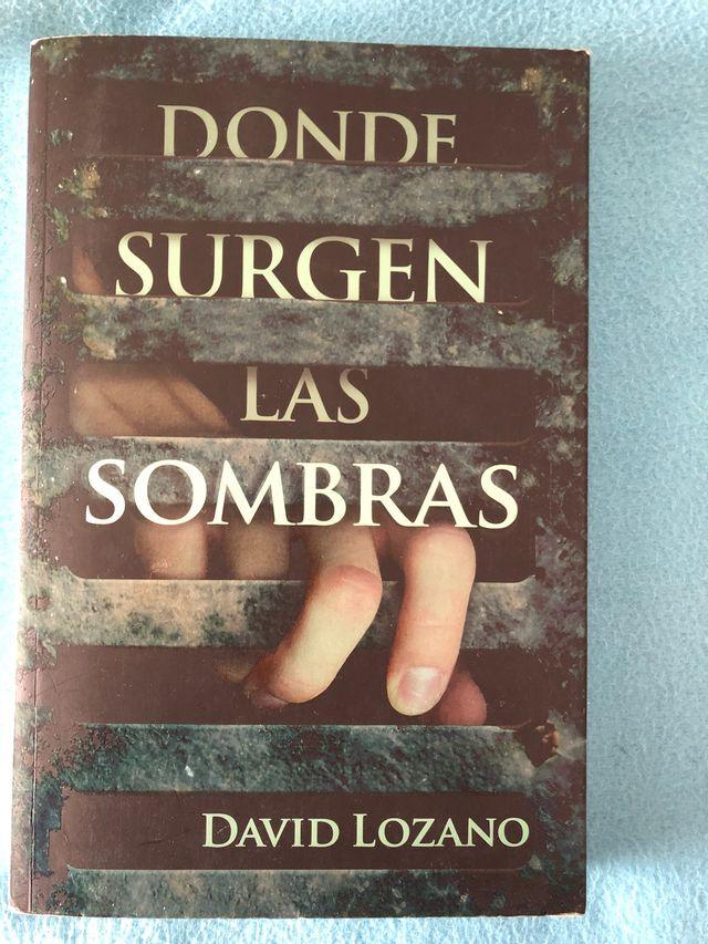 Libro Donde Surgen Las Sombras De Segunda Mano Por 9 5 En Zaragoza En Wallapop