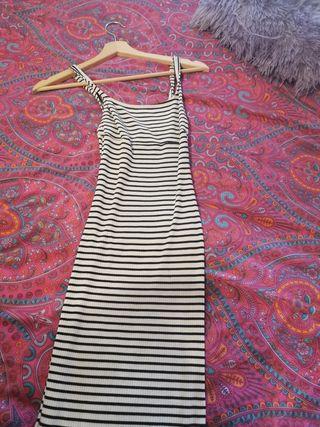 vestido ajustado bershka
