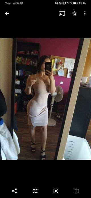 vestido ajustado nude