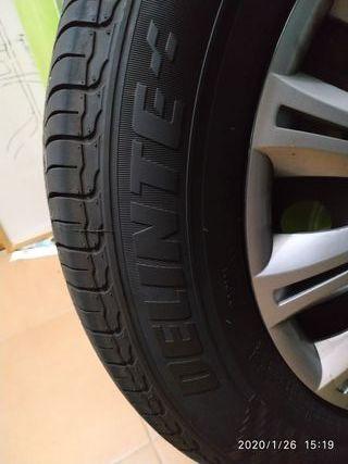 4 ruedas. neumáticos