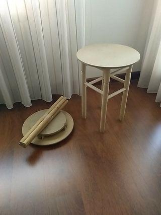 Dos mesas de camilla