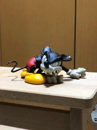 NUEVO. Figura exclusiva Mickey Runaway Brain.Japón