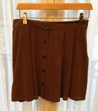 Falda de Zara talla L marrón con botones alante