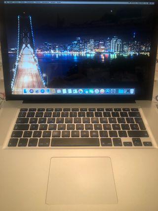 Macbook pro 15 // i7 // 8G // DISCO SSD