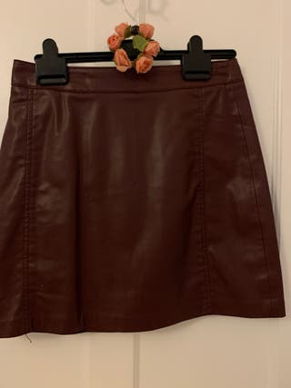 Faux leather burgundy skirt