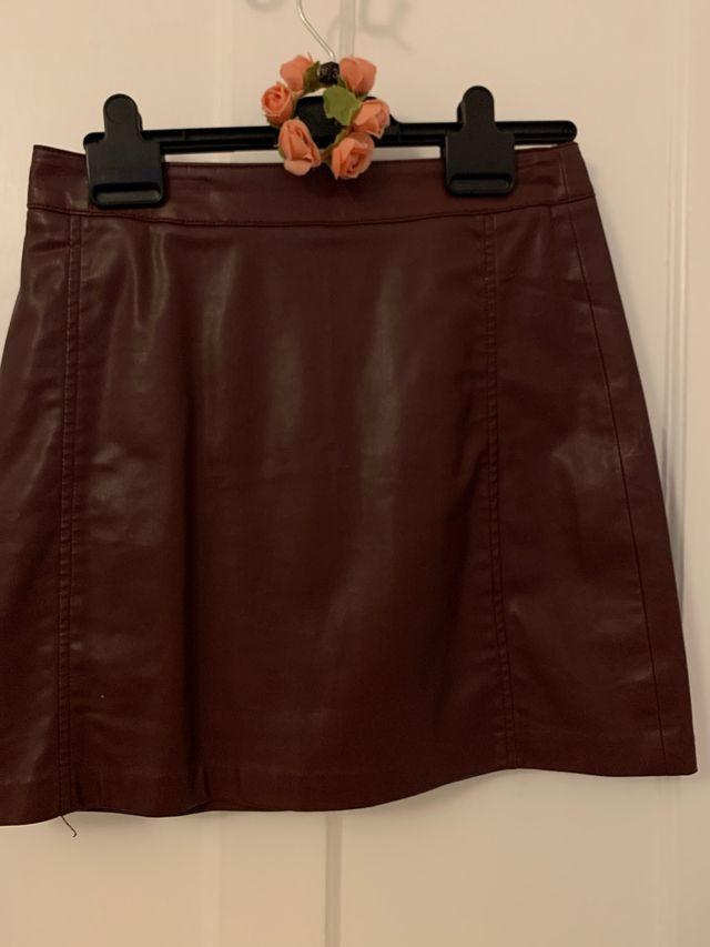 Faux leather burgundy skirt