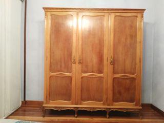 Armario dormitorio tipo Luis XVI o similar