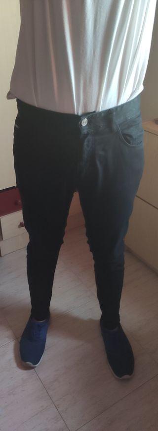 Pantalón vaquero negro skinny fit hombre
