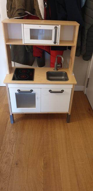 Cocinita de madera de Ikea
