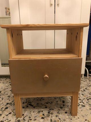 Mesita de noche madera IKEA