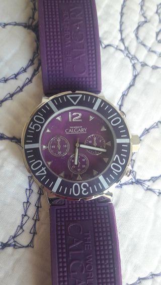 reloj morado nuevo