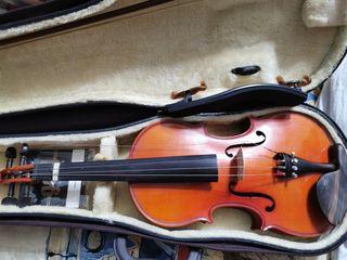 Viola de niño. Instrumento musical.