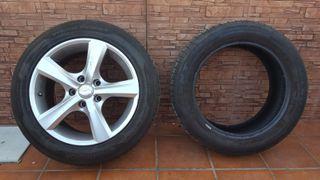 LLanta Skoda Octavia con neumático